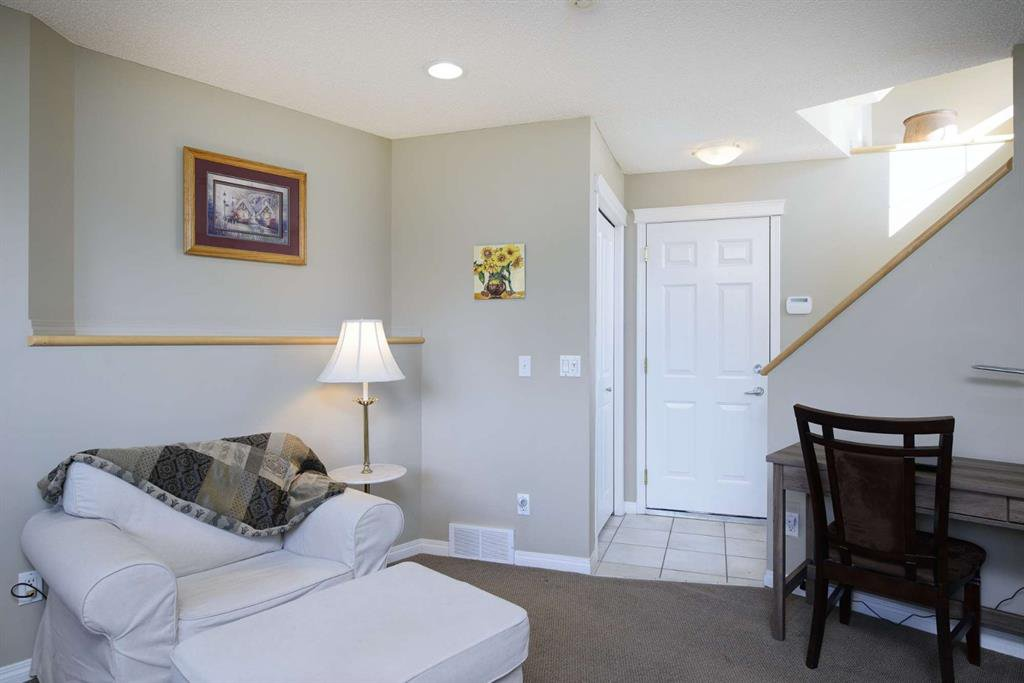 Photo 43: Photos: 51 38A Avenue SW in Calgary: Parkhill Row/Townhouse for sale : MLS®# A1043066