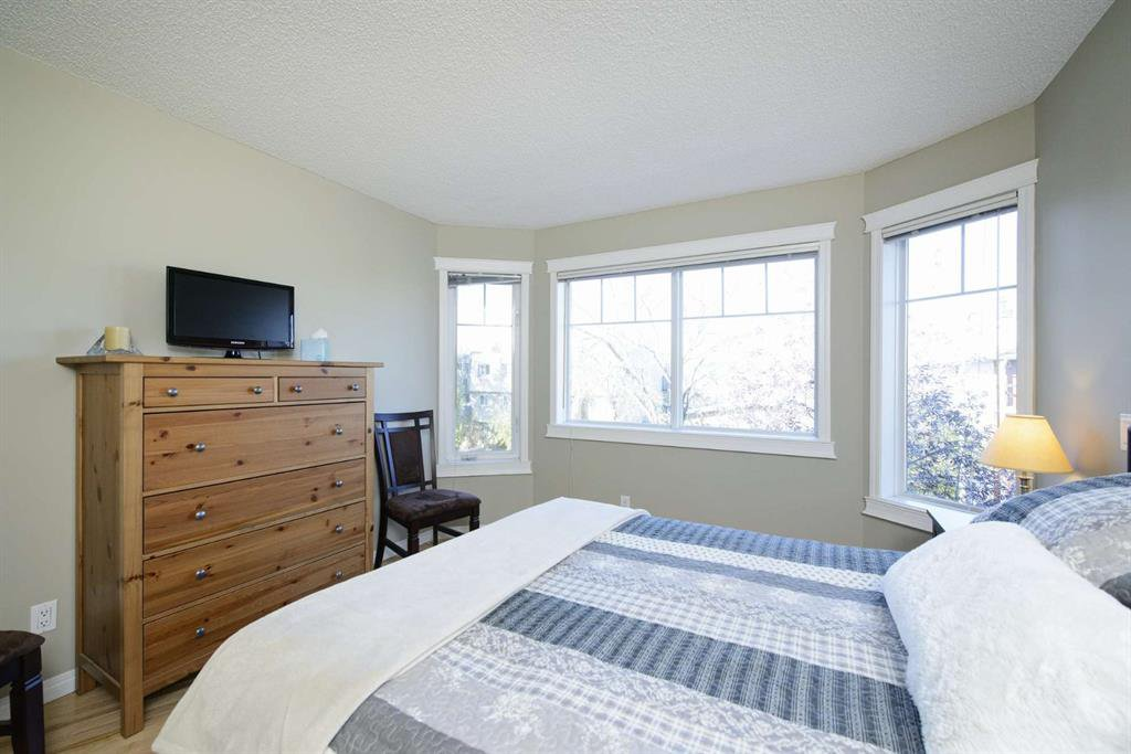 Photo 37: Photos: 51 38A Avenue SW in Calgary: Parkhill Row/Townhouse for sale : MLS®# A1043066
