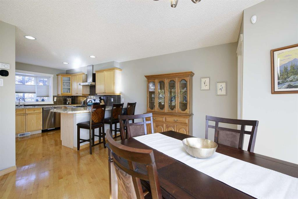 Photo 19: Photos: 51 38A Avenue SW in Calgary: Parkhill Row/Townhouse for sale : MLS®# A1043066