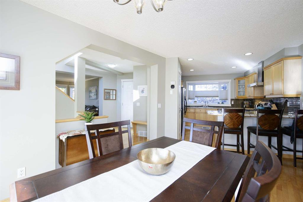 Photo 18: Photos: 51 38A Avenue SW in Calgary: Parkhill Row/Townhouse for sale : MLS®# A1043066