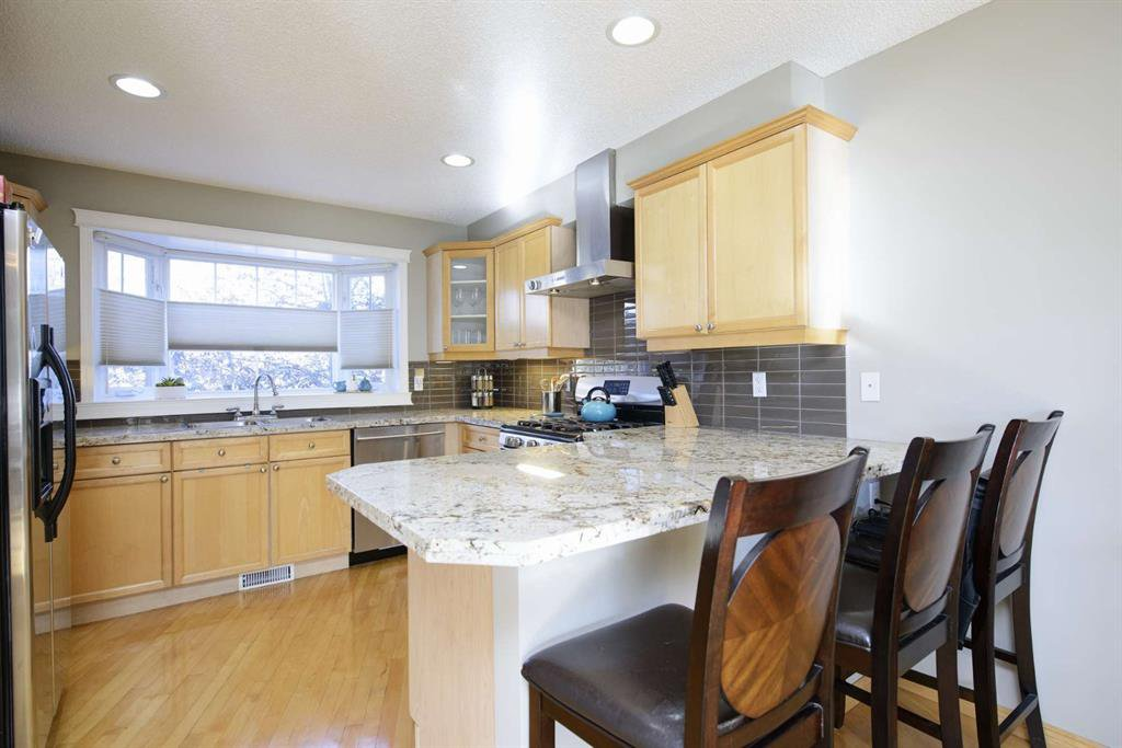 Photo 20: Photos: 51 38A Avenue SW in Calgary: Parkhill Row/Townhouse for sale : MLS®# A1043066