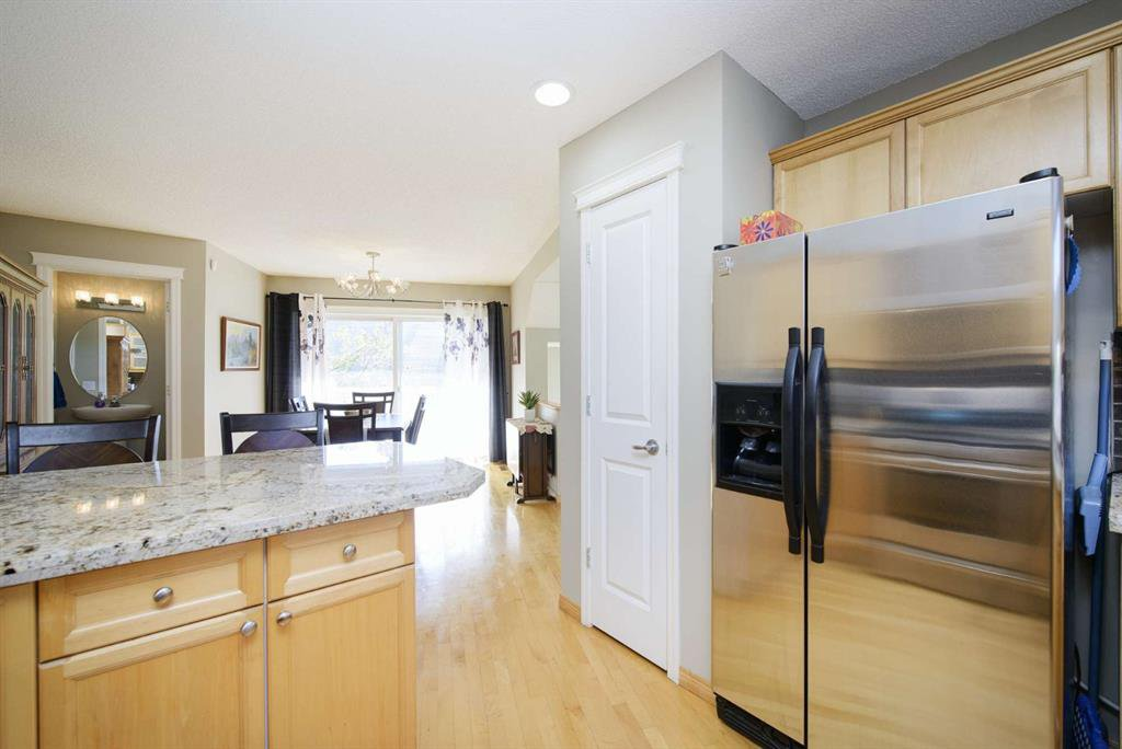 Photo 26: Photos: 51 38A Avenue SW in Calgary: Parkhill Row/Townhouse for sale : MLS®# A1043066
