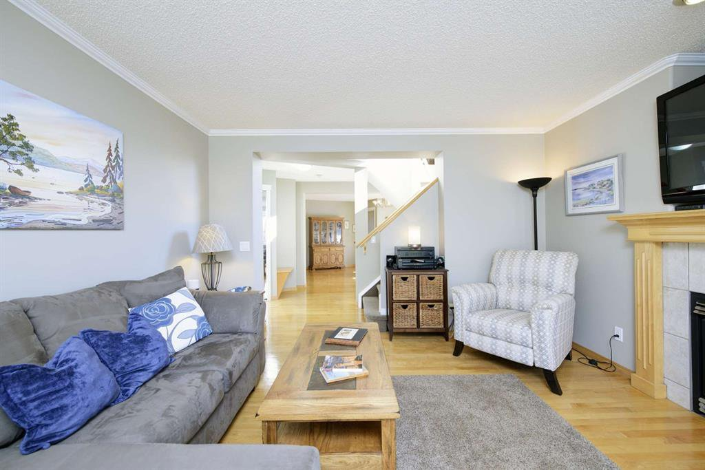 Photo 10: Photos: 51 38A Avenue SW in Calgary: Parkhill Row/Townhouse for sale : MLS®# A1043066