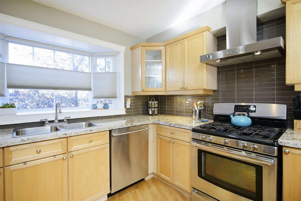 Photo 22: Photos: 51 38A Avenue SW in Calgary: Parkhill Row/Townhouse for sale : MLS®# A1043066