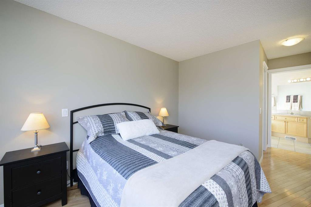 Photo 38: Photos: 51 38A Avenue SW in Calgary: Parkhill Row/Townhouse for sale : MLS®# A1043066