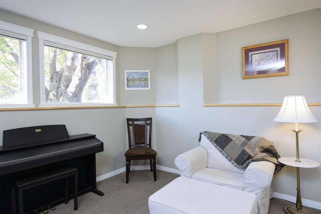 Photo 42: Photos: 51 38A Avenue SW in Calgary: Parkhill Row/Townhouse for sale : MLS®# A1043066