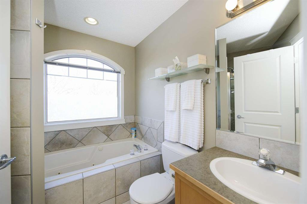 Photo 35: Photos: 51 38A Avenue SW in Calgary: Parkhill Row/Townhouse for sale : MLS®# A1043066