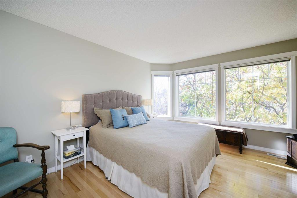 Photo 30: Photos: 51 38A Avenue SW in Calgary: Parkhill Row/Townhouse for sale : MLS®# A1043066