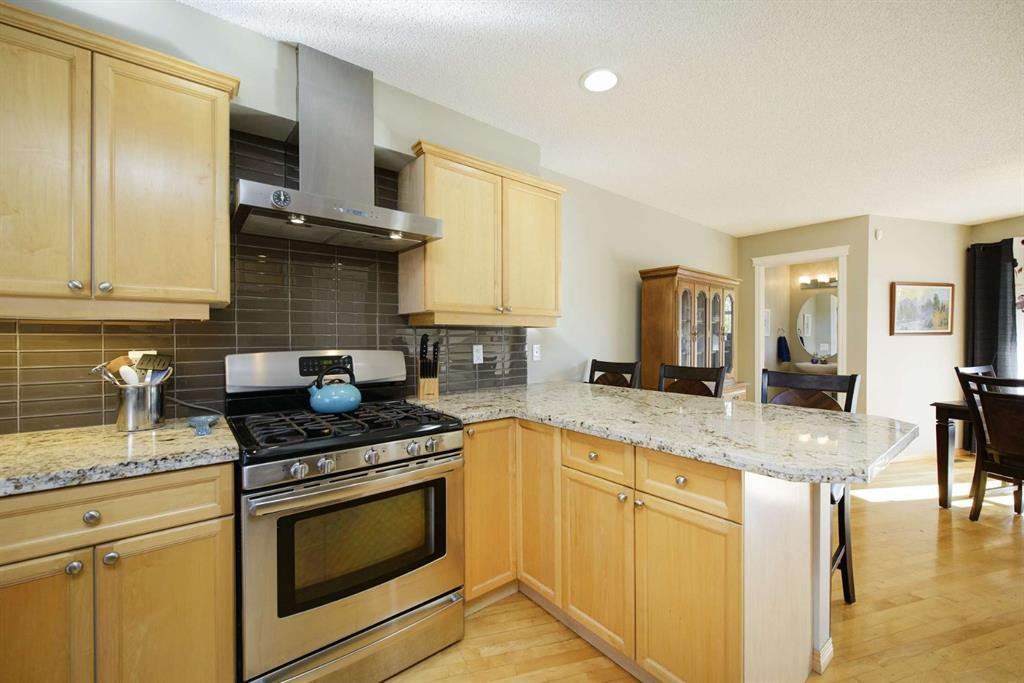 Photo 25: Photos: 51 38A Avenue SW in Calgary: Parkhill Row/Townhouse for sale : MLS®# A1043066