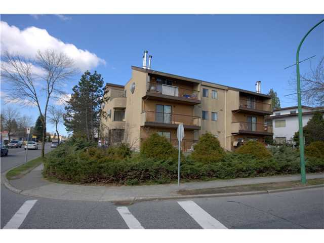 """Main Photo: 304 5155 IMPERIAL Street in Burnaby: Metrotown Condo for sale in """"ROYAL OAK APARTMENTS"""" (Burnaby South)  : MLS®# V880102"""