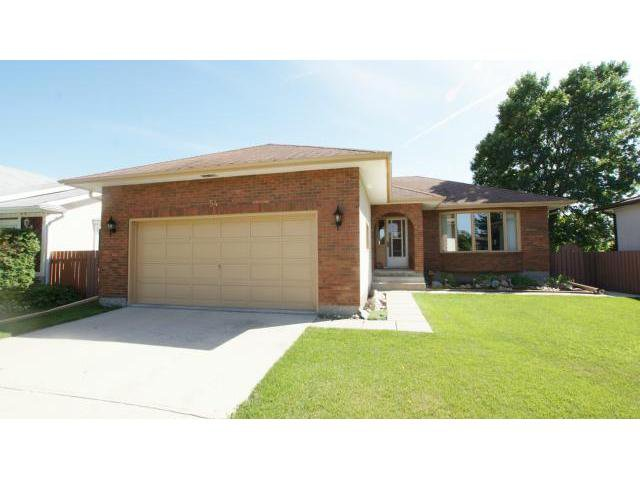 Main Photo: 54 WALTER COPP Crescent in WINNIPEG: East Kildonan Residential for sale (North East Winnipeg)