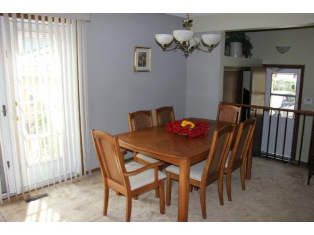 Photo 5: Photos: 100 Trowbridge Bay in WINNIPEG: St Vital Residential for sale (South East Winnipeg)  : MLS®# 1218841