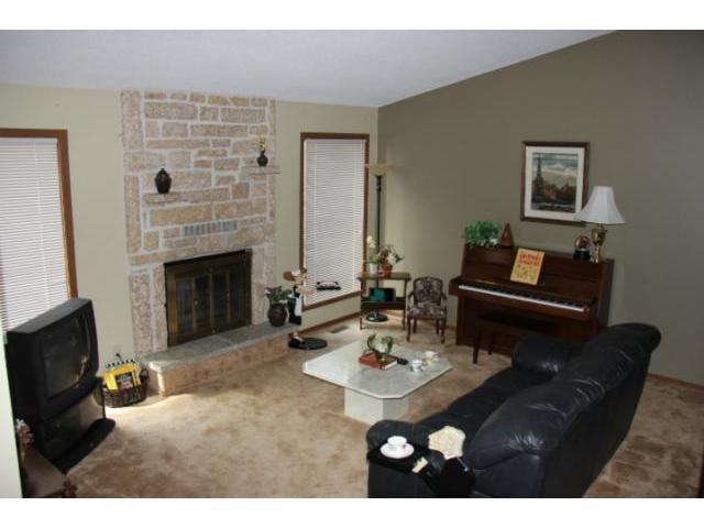 Photo 6: Photos: 100 Trowbridge Bay in WINNIPEG: St Vital Residential for sale (South East Winnipeg)  : MLS®# 1218841