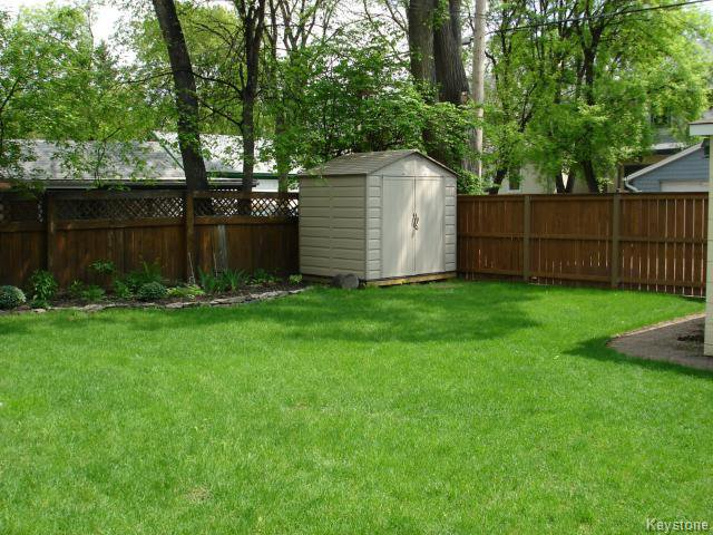 Photo 16: Photos: 1060 Grosvenor Avenue in WINNIPEG: Crescentwood Residential for sale (South Winnipeg)  : MLS®# 1403684