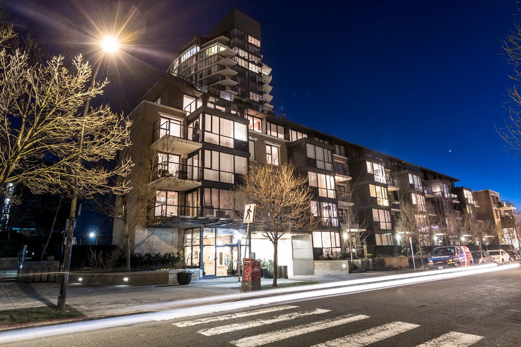 "Main Photo: 310 1450 W 6TH Avenue in Vancouver: Fairview VW Condo for sale in ""VERONA OF PORTICO"" (Vancouver West)  : MLS®# V1107418"