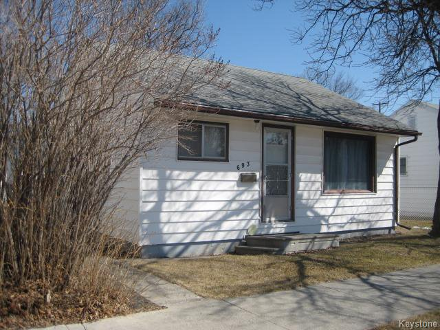 Main Photo: 693 Martin Avenue in WINNIPEG: East Kildonan Residential for sale (North East Winnipeg)  : MLS®# 1507835