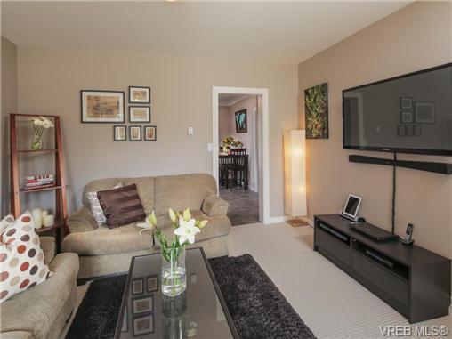 Main Photo: 512 Gore St in VICTORIA: Es Old Esquimalt House for sale (Esquimalt)  : MLS®# 712426