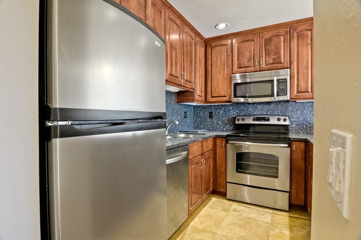 Photo 13: Photos: PACIFIC BEACH Condo for sale : 2 bedrooms : 4465 Ocean #34 in San Diego