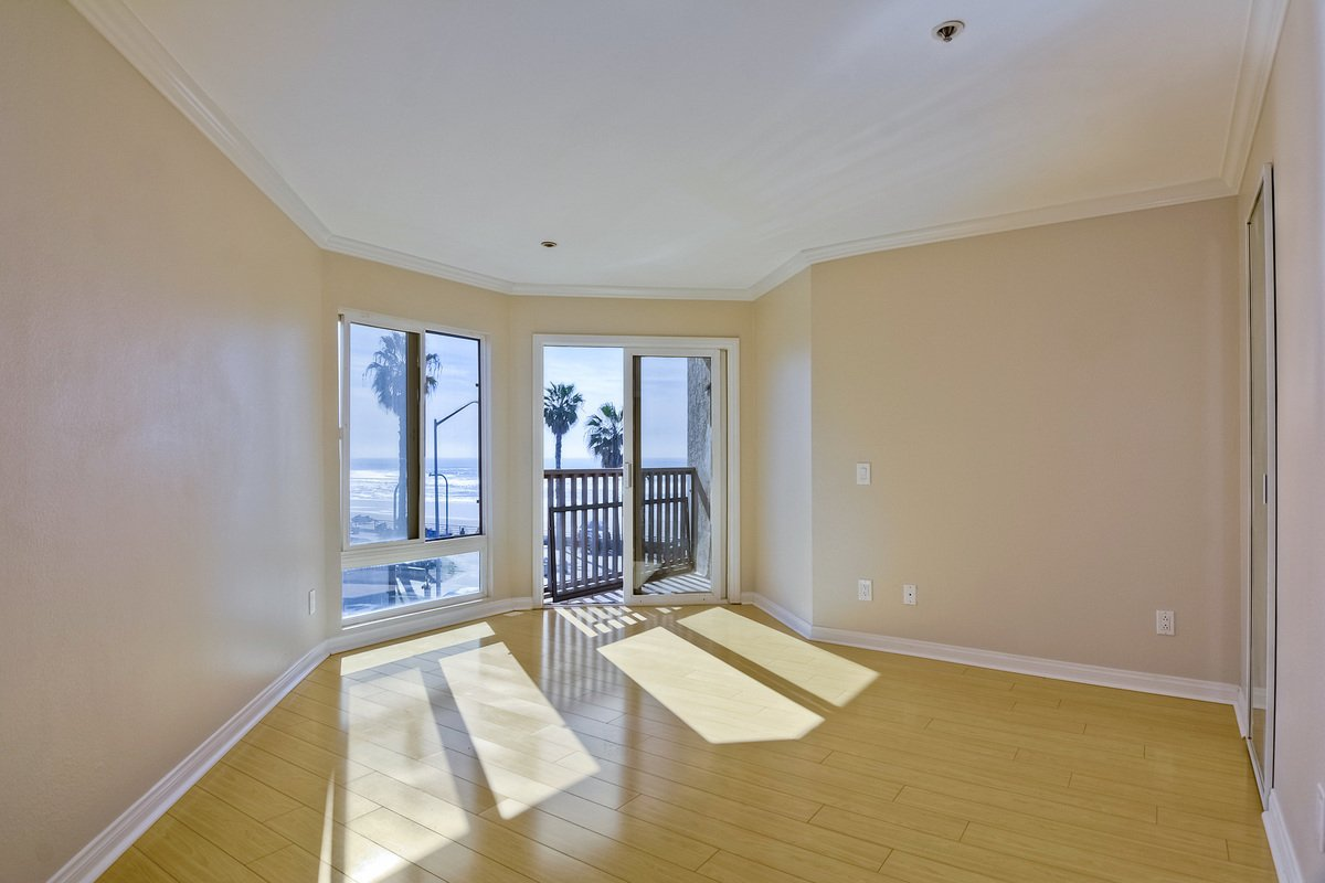 Photo 20: Photos: PACIFIC BEACH Condo for sale : 2 bedrooms : 4465 Ocean #34 in San Diego