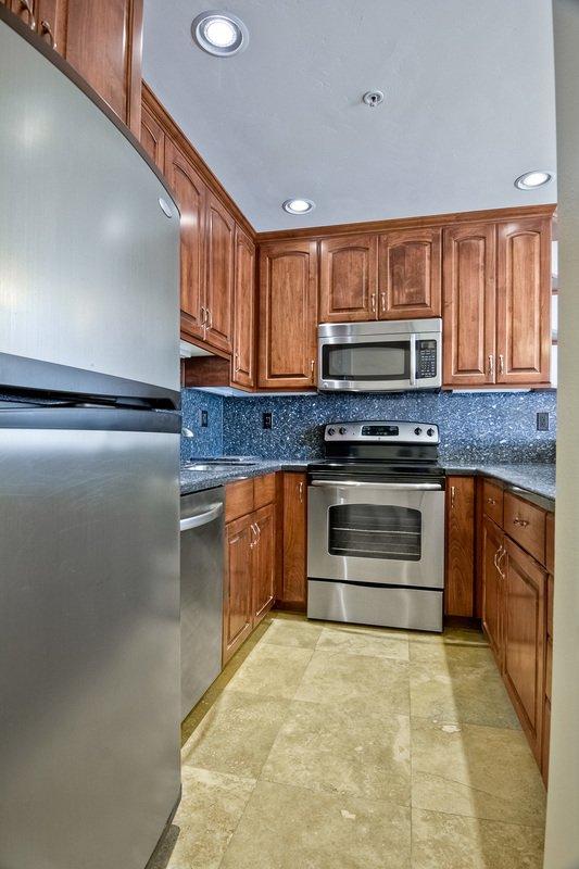 Photo 14: Photos: PACIFIC BEACH Condo for sale : 2 bedrooms : 4465 Ocean #34 in San Diego