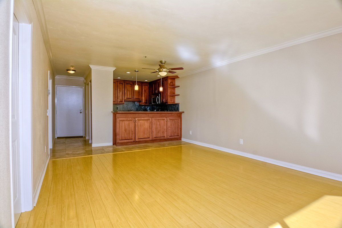 Photo 12: Photos: PACIFIC BEACH Condo for sale : 2 bedrooms : 4465 Ocean #34 in San Diego