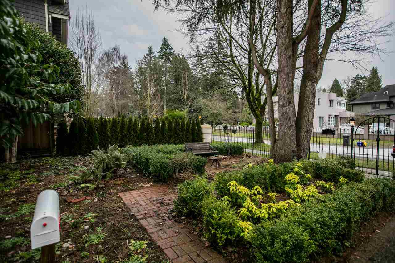 """Photo 3: Photos: 2437 W 51ST Avenue in Vancouver: S.W. Marine House for sale in """"SW MARINE"""" (Vancouver West)  : MLS®# R2033747"""