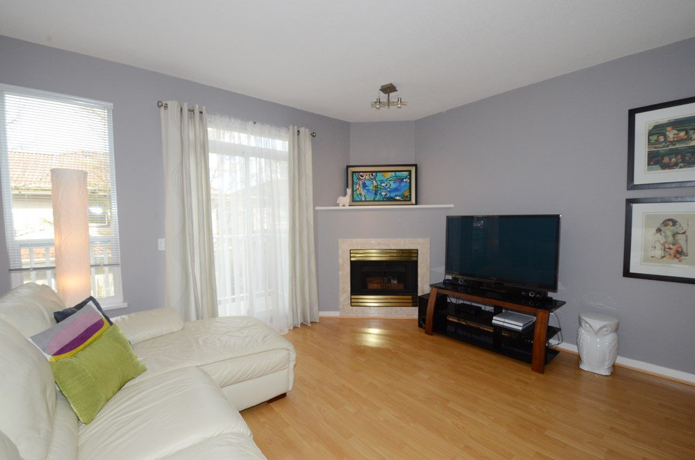 "Photo 3: Photos: 21 12331 MCNEELY Drive in Richmond: East Cambie Townhouse for sale in ""SAUSALITO"" : MLS®# R2053119"