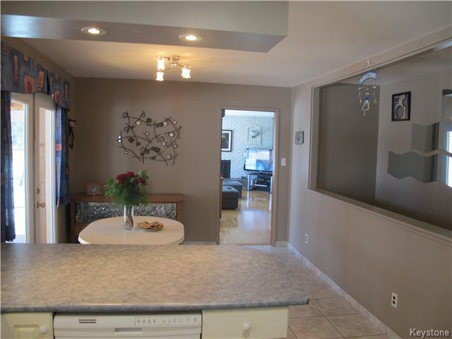 Photo 11: Photos:  in Anola: Anola / Dugald / Hazelridge / Oakbank / Vivian Residential for sale (Winnipeg area)  : MLS®# 1609168