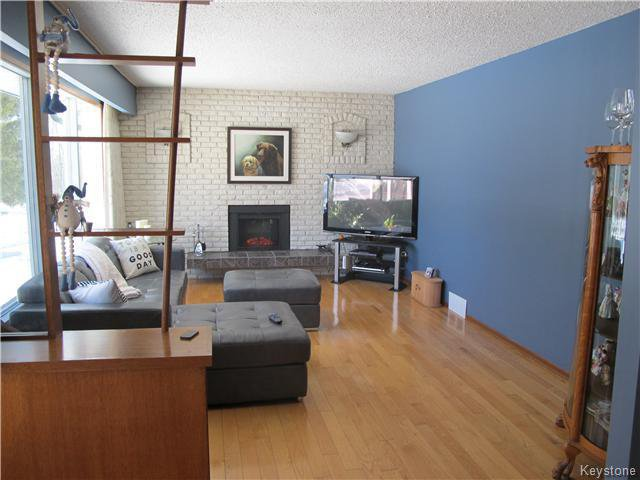 Photo 14: Photos:  in Anola: Anola / Dugald / Hazelridge / Oakbank / Vivian Residential for sale (Winnipeg area)  : MLS®# 1609168