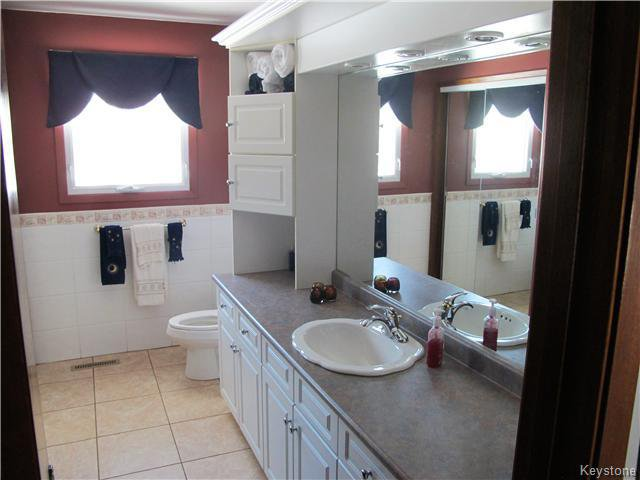Photo 16: Photos:  in Anola: Anola / Dugald / Hazelridge / Oakbank / Vivian Residential for sale (Winnipeg area)  : MLS®# 1609168