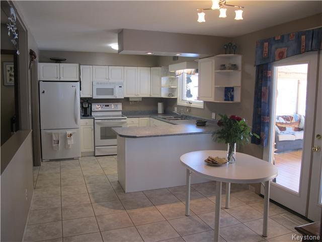 Photo 12: Photos:  in Anola: Anola / Dugald / Hazelridge / Oakbank / Vivian Residential for sale (Winnipeg area)  : MLS®# 1609168