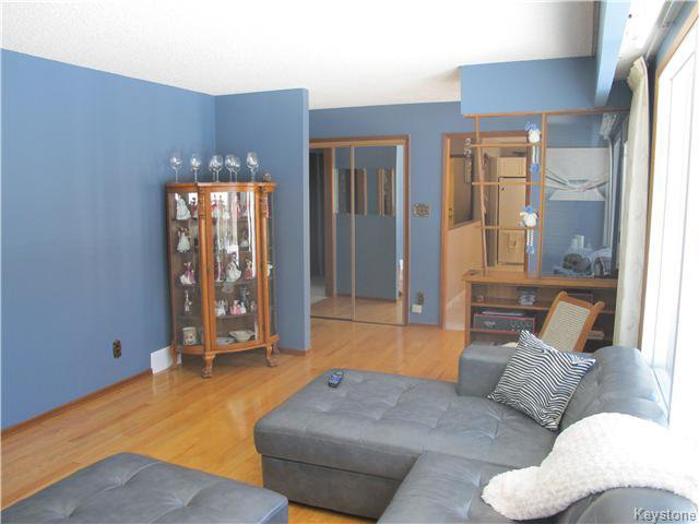 Photo 15: Photos:  in Anola: Anola / Dugald / Hazelridge / Oakbank / Vivian Residential for sale (Winnipeg area)  : MLS®# 1609168