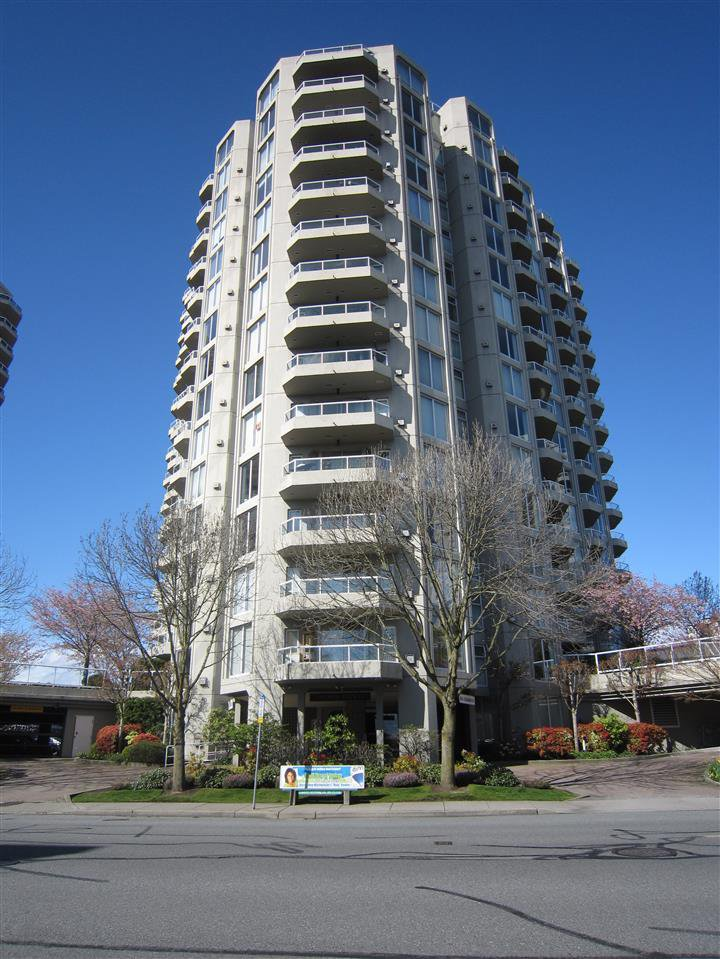 "Main Photo: 1607 1135 QUAYSIDE Drive in New Westminster: Quay Condo for sale in ""ANCHOR POINTE"" : MLS®# R2115931"