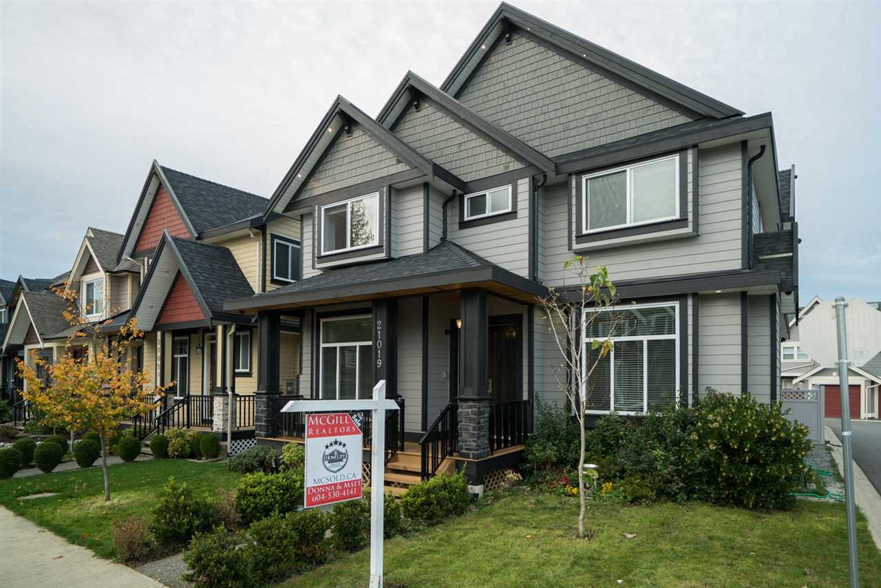 """Main Photo: 21019 77 Avenue in Langley: Willoughby Heights House for sale in """"Yorkson"""" : MLS®# R2123181"""