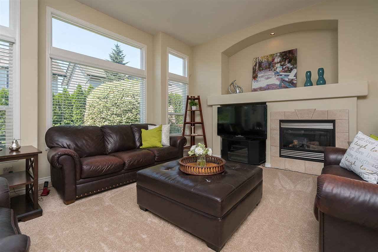 "Photo 9: Photos: 7055 201 Street in Langley: Willoughby Heights House for sale in ""JEFFRIES BROOK"" : MLS®# R2188614"