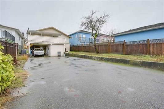 Photo 18: Photos: 2771 E 45TH Avenue in Vancouver: Killarney VE House for sale (Vancouver East)  : MLS®# R2235829