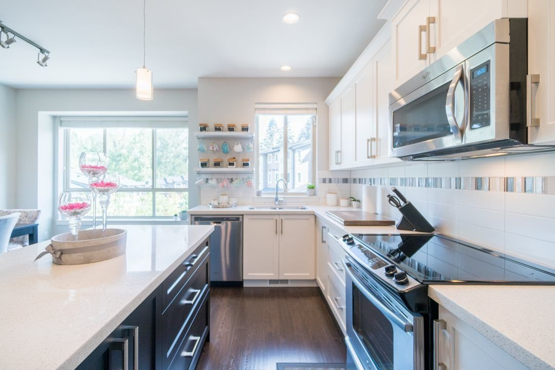 """Photo 3: Photos: 21 23986 104 Avenue in Maple Ridge: Albion Townhouse for sale in """"SPENCERBROOK"""" : MLS®# R2267403"""