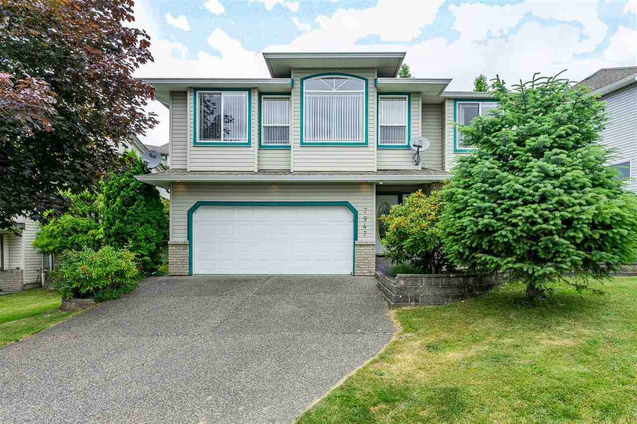 """Main Photo: 7947 TOPPER Drive in Mission: Mission BC House for sale in """"College Heights"""" : MLS®# R2381617"""