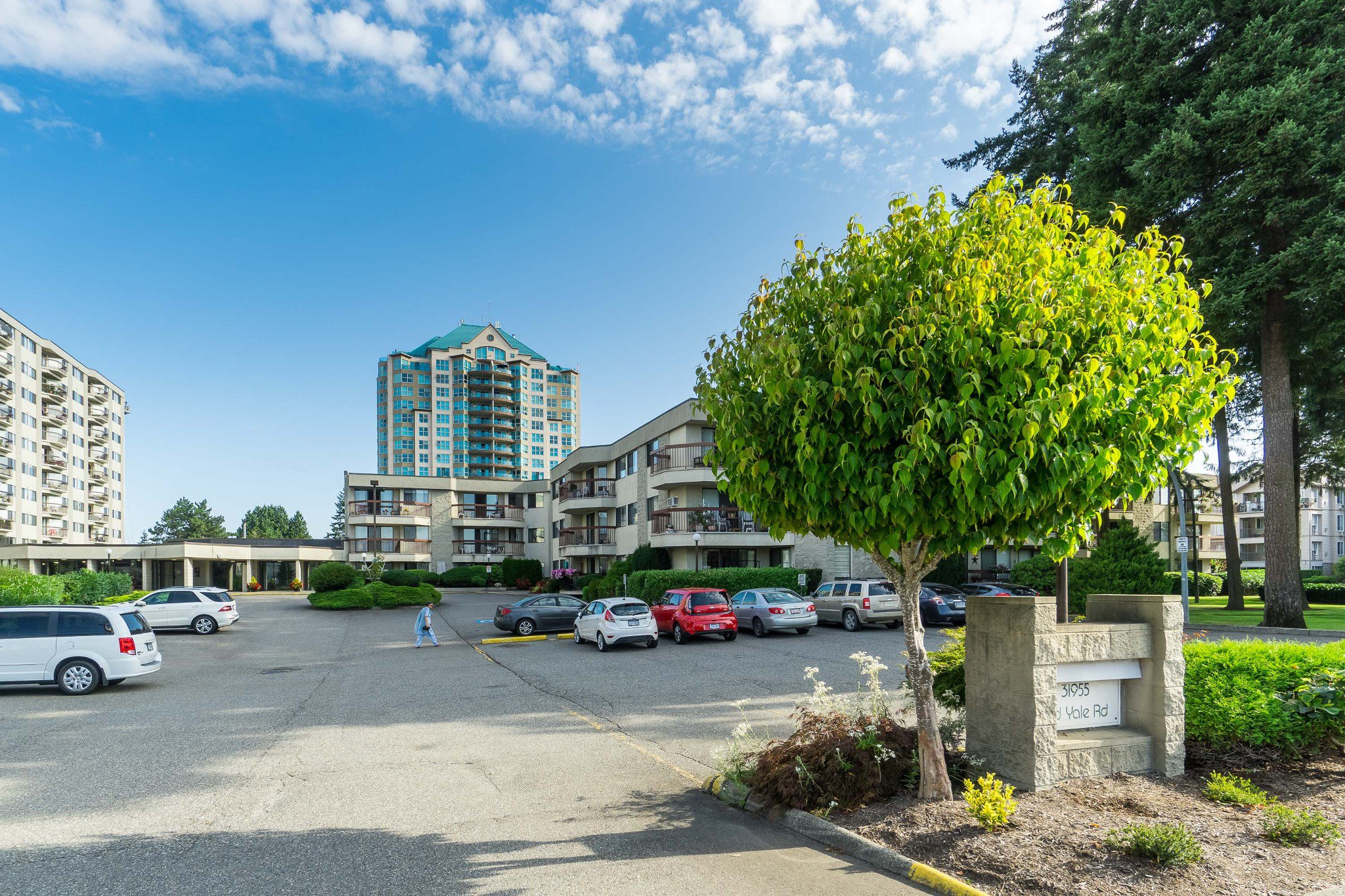 Main Photo: 135 31955 Old Yale Road in Abbotsford: Abbotsford West Condo for sale : MLS®# R2396453