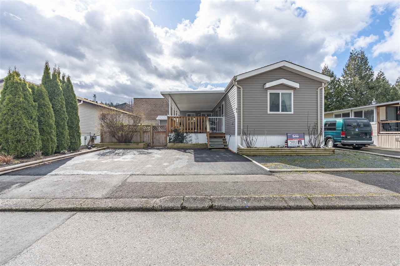 """Main Photo: 86 6338 VEDDER Road in Chilliwack: Sardis East Vedder Rd Manufactured Home for sale in """"Maple Meadows Mobile Home Park"""" (Sardis)  : MLS®# R2442740"""