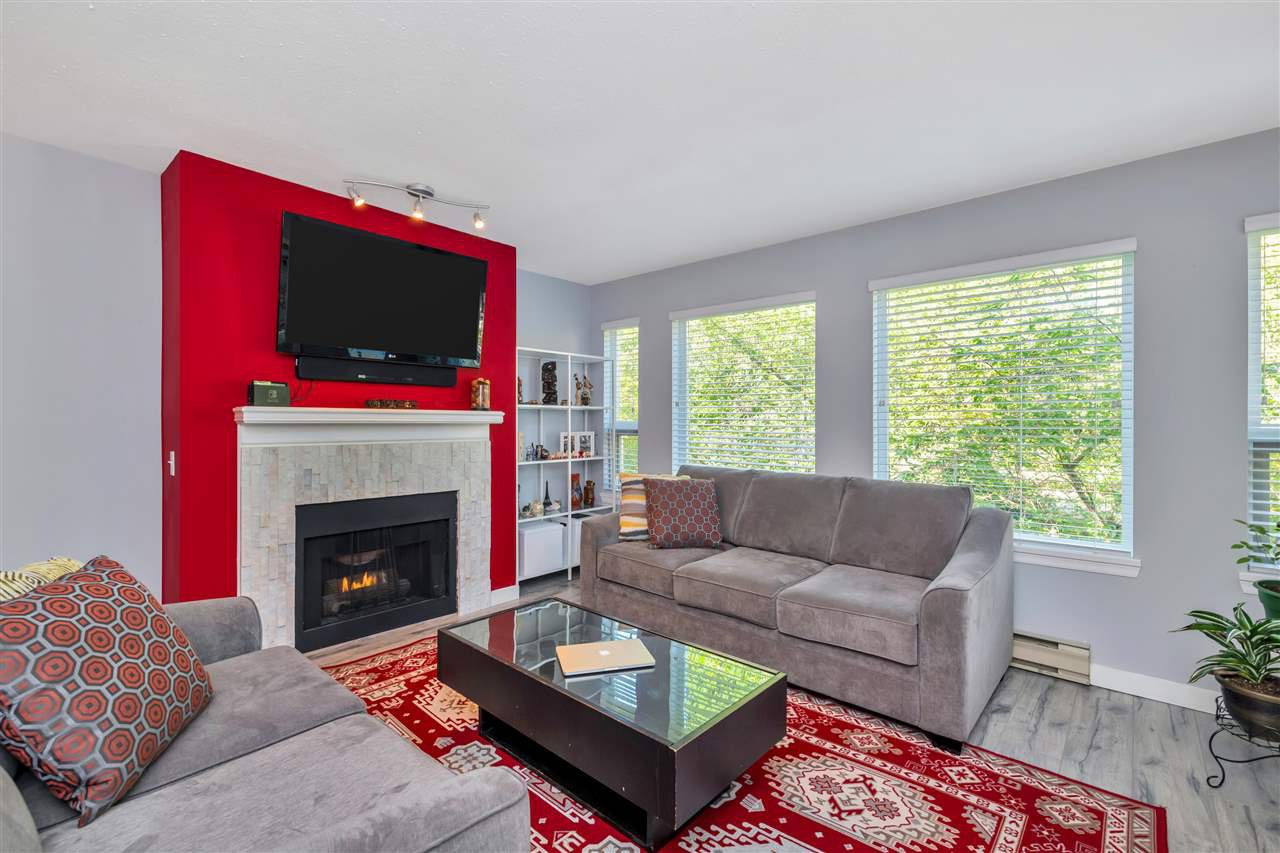 """Main Photo: 423 6707 SOUTHPOINT Drive in Burnaby: South Slope Condo for sale in """"MISSION WOODS"""" (Burnaby South)  : MLS®# R2470852"""