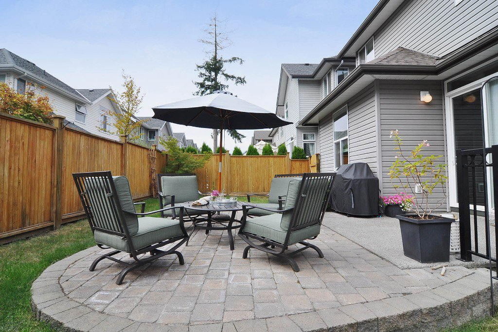 Photo 10: Photos: 15046 59th Avenue in Surrey: House for sale : MLS®# F1305349