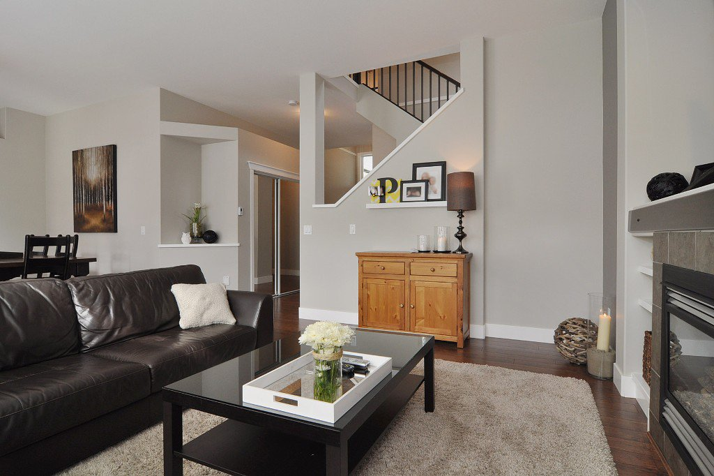 Photo 5: Photos: 15046 59th Avenue in Surrey: House for sale : MLS®# F1305349