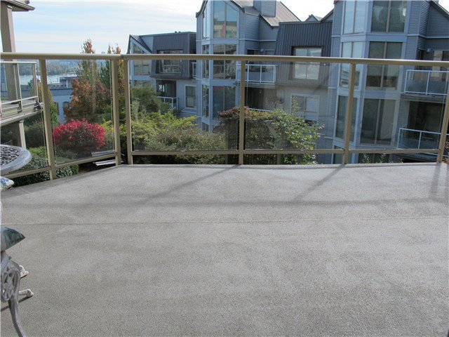 Photo 7: Photos: 401 70 RICHMOND Street in New Westminster: Fraserview NW Condo for sale : MLS®# V1031584