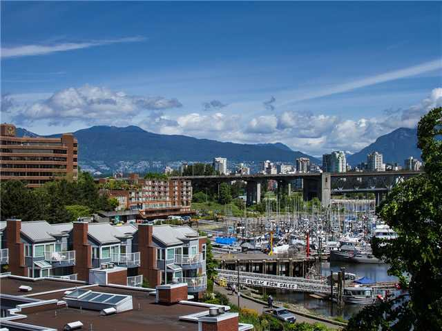 "Main Photo: 502 1508 MARINER Walk in Vancouver: False Creek Condo for sale in ""MARINER POINT"" (Vancouver West)  : MLS®# V1069887"