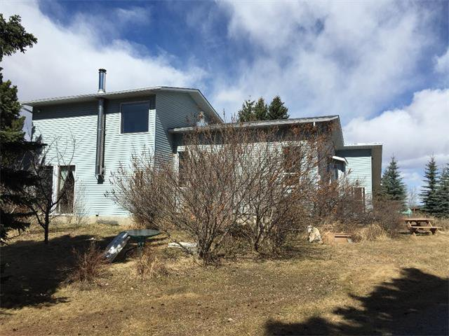 Photo 3: Photos: 32182 TWP RD 262 in Rural Rockyview County: Rural Rocky View MD House for sale : MLS®# C4006884