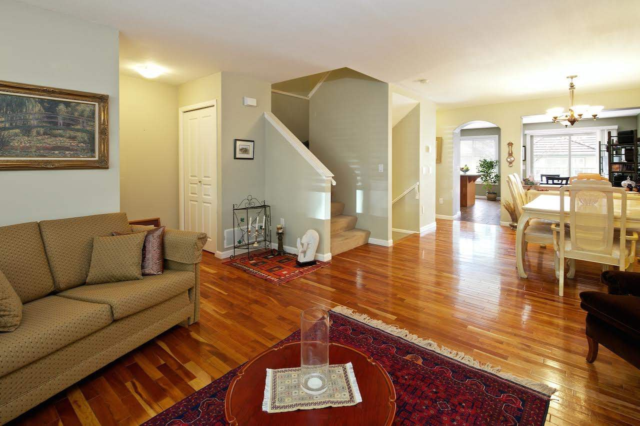 """Main Photo: 15 2351 PARKWAY Boulevard in Coquitlam: Westwood Plateau Townhouse for sale in """"WINDANCE"""" : MLS®# R2059226"""