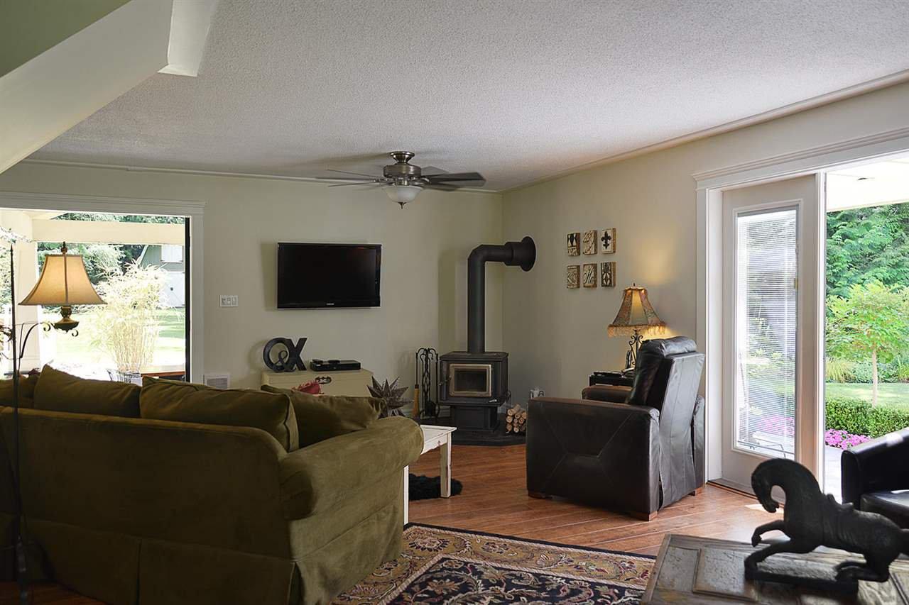 Photo 10: Photos: 5760 MASON Road in Sechelt: Sechelt District House for sale (Sunshine Coast)  : MLS®# R2090042