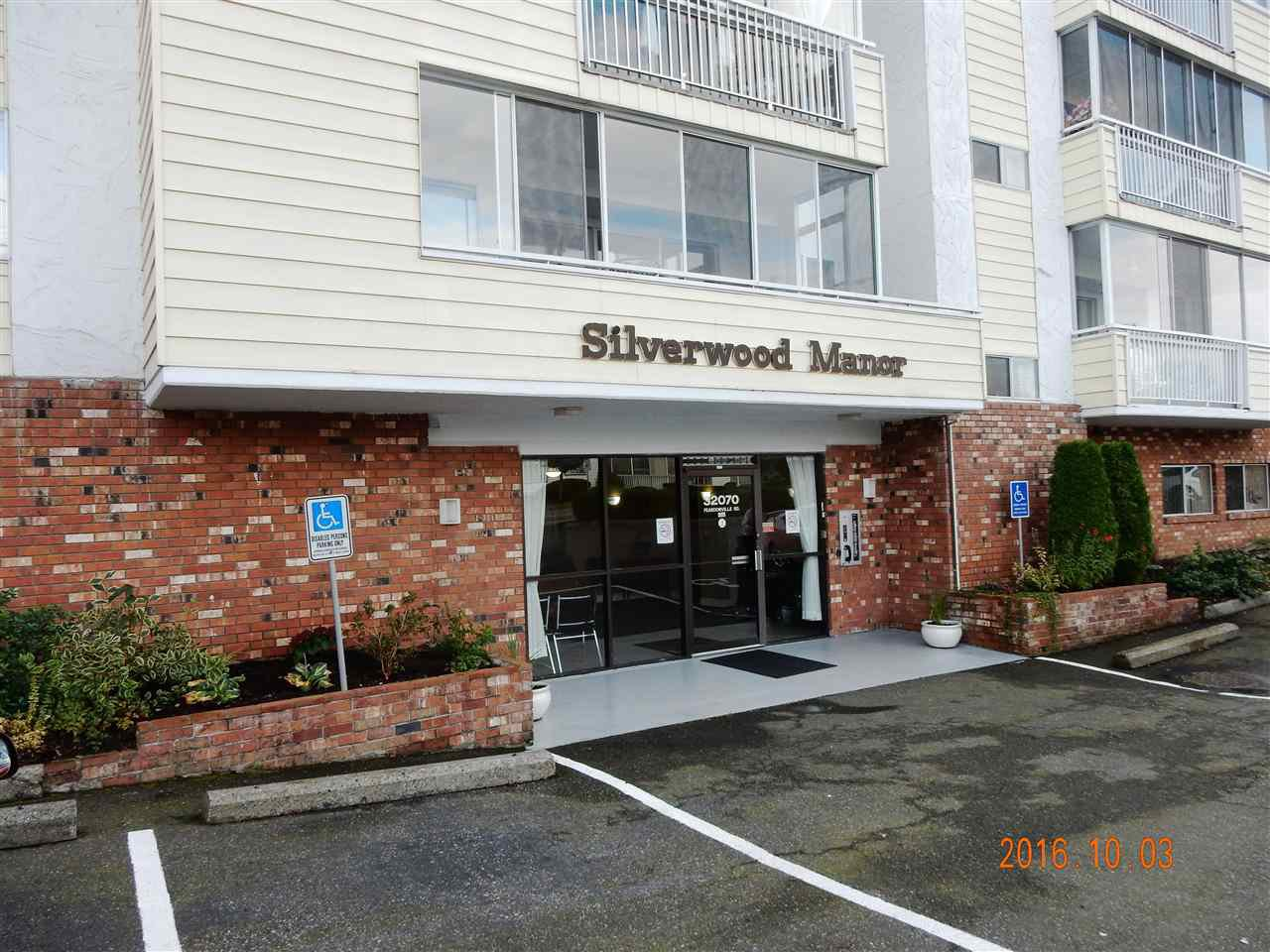 """Photo 1: Photos: 211 32070 PEARDONVILLE Road in Abbotsford: Abbotsford West Condo for sale in """"Silverwood Manor"""" : MLS®# R2113890"""