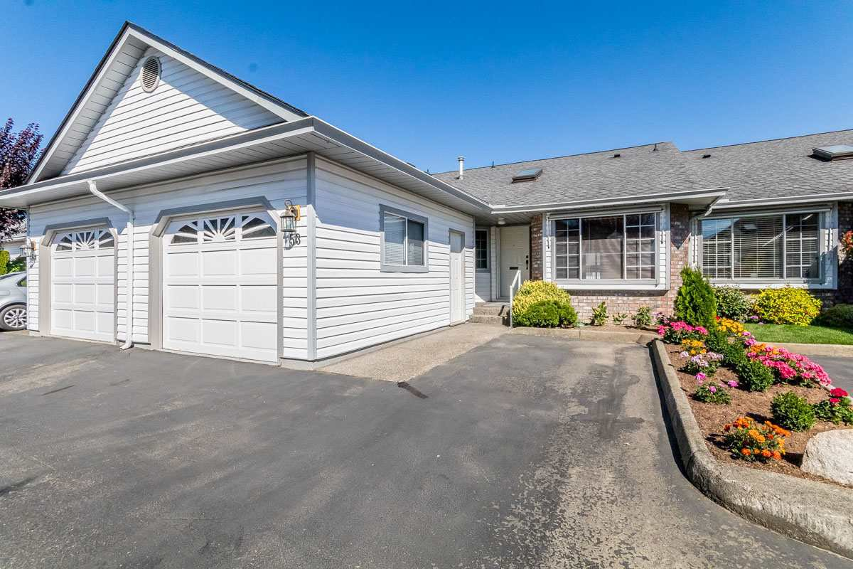 """Main Photo: 53 33922 KING Street in Abbotsford: Poplar Townhouse for sale in """"Kingsview Estates"""" : MLS®# R2198700"""